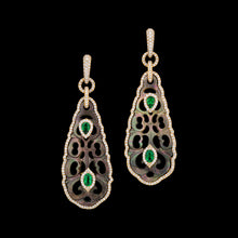 Load image into Gallery viewer, Hand carved Tahitian M.O.P with green tsavorite set in rose 18k gold with diamonds.