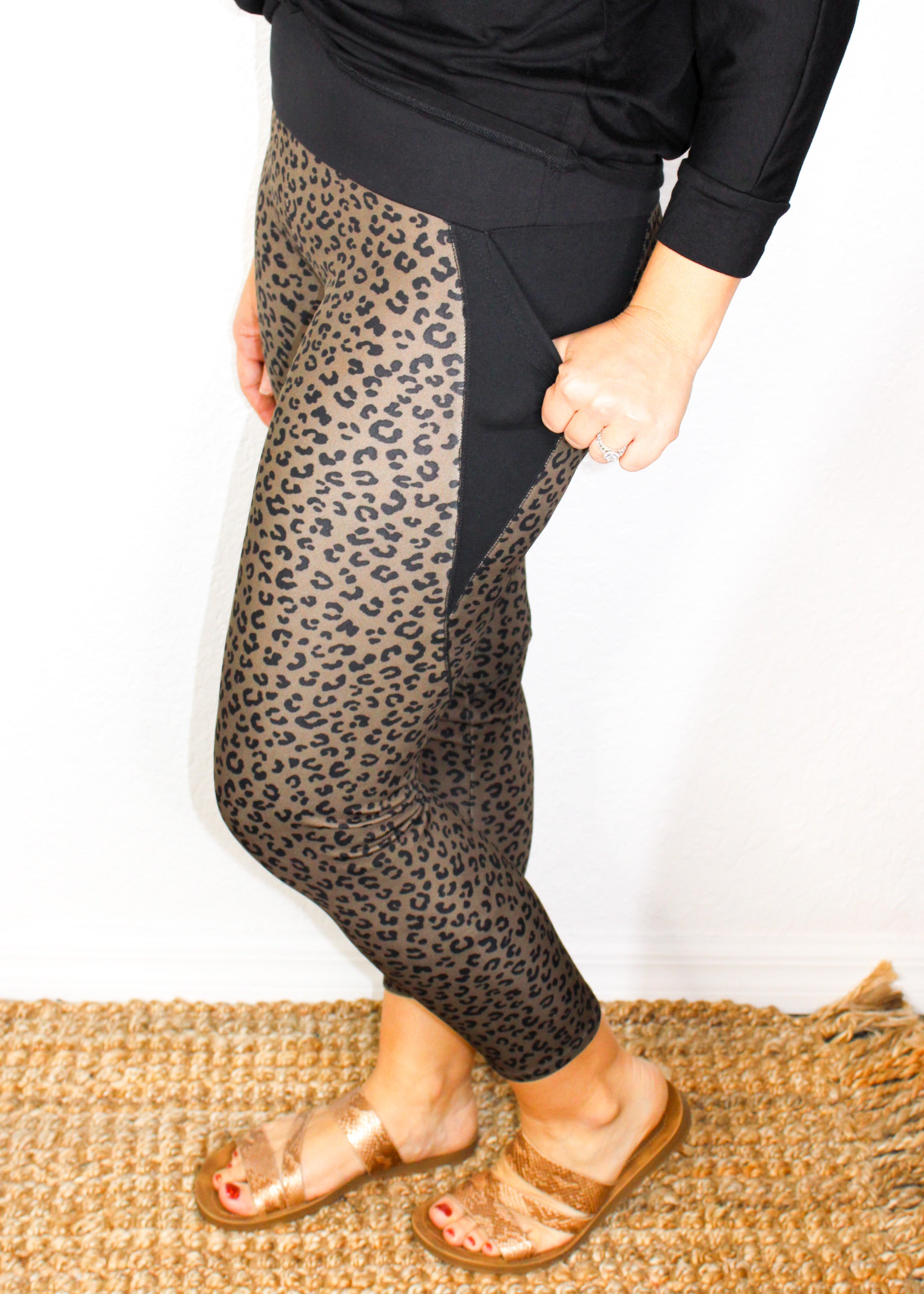You And I Collide Leggings