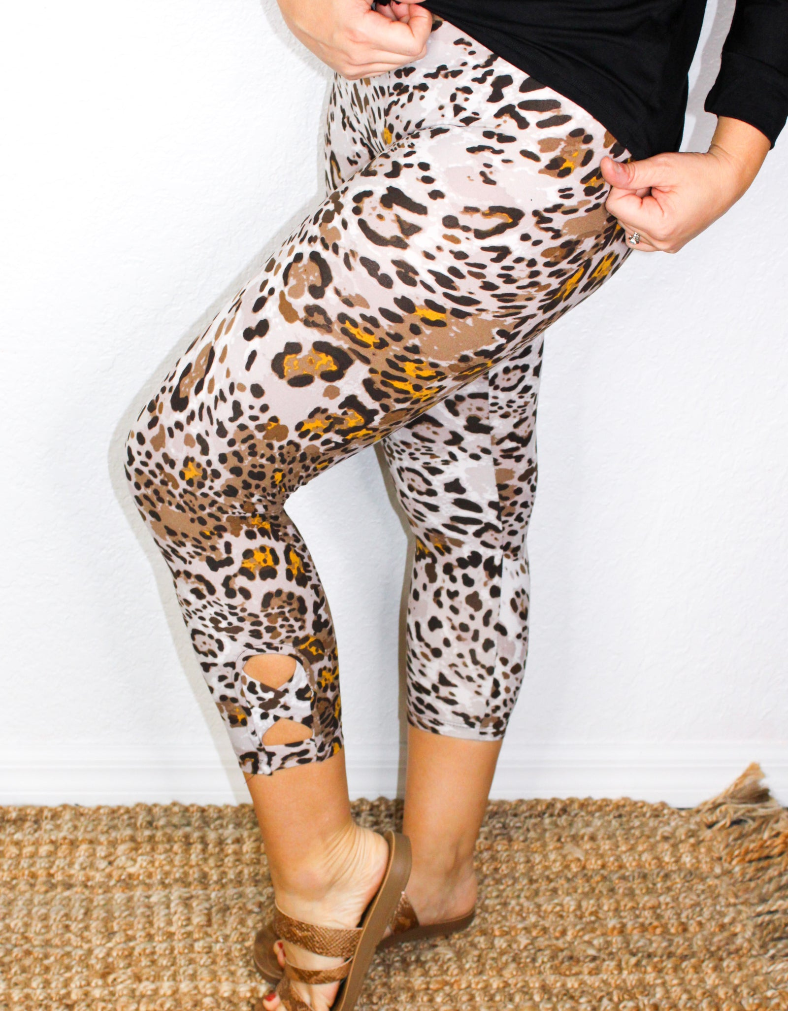 Prowling Around Leggings