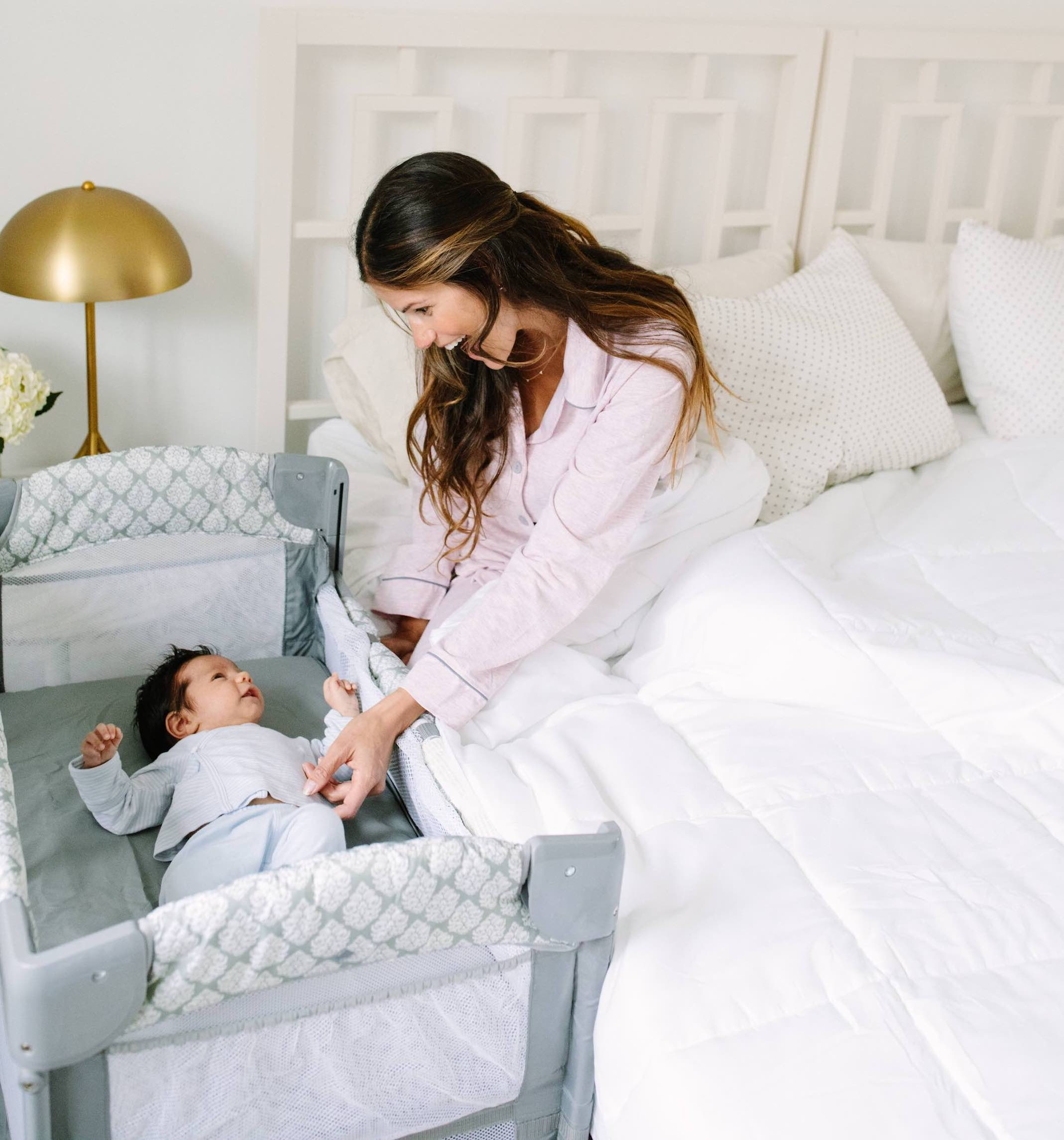 Arm's reach 3-in-1 co-sleeper bassinet grows with your baby
