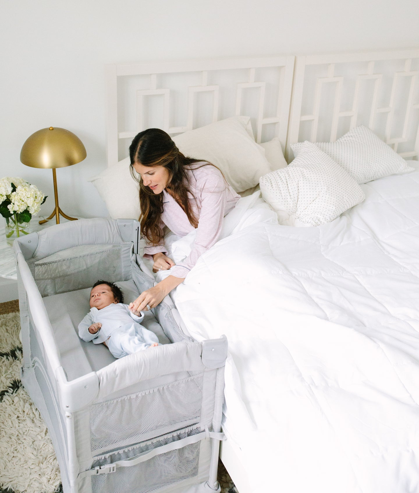 Arm's Reach Co-Sleeper baby bassinet