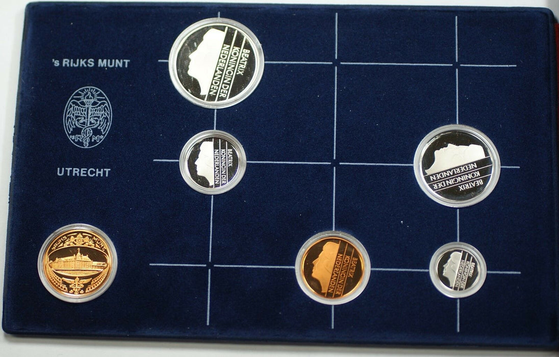 1982 Netherlands Proof Set 5 Coins and a Mint Token 's Rijks Munt Utrecht