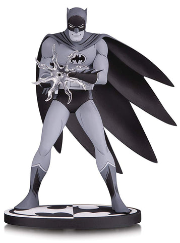 DC Collectibles Black and White ~ BATMAN STATUE by Jiro Kuwata ~ DC Comics