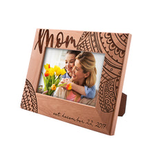 Load image into Gallery viewer, Photo Frame MOM Design 4