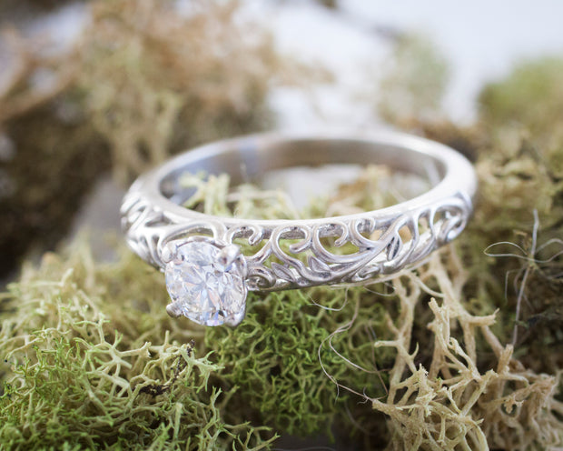 The Modern Vintage Botanical Ring