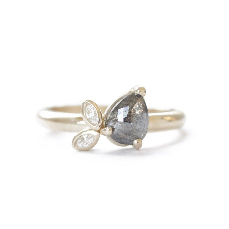 The Sweet Pea Ring
