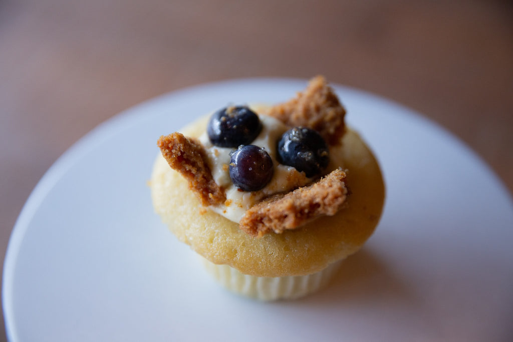 Molly's Center Filled Cupcakes - Blueberry Cheese Cake