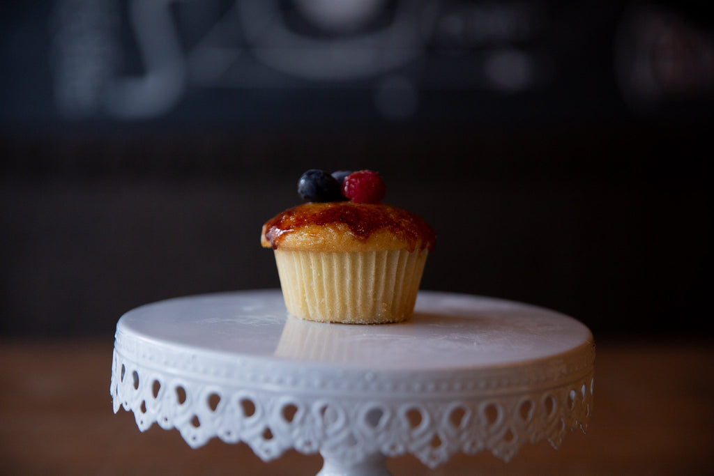 Molly's Center Filled Cupcake - Crème brûlée