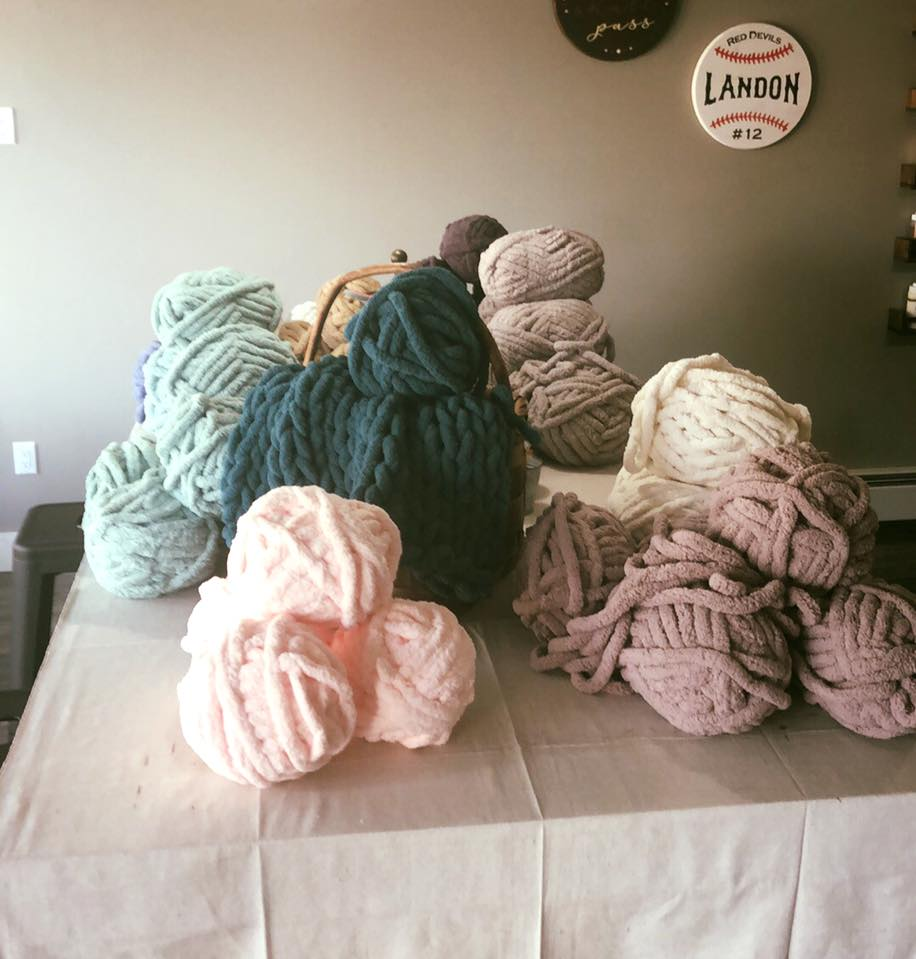 Kelly's Yarn: 16 Skeins of Yarn for Cozy Blanket Making