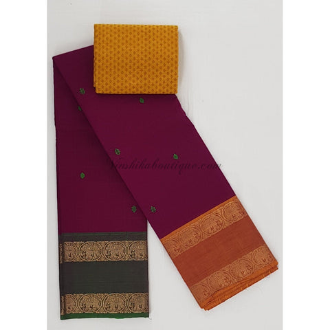 Kanchi cotton saree with zari border