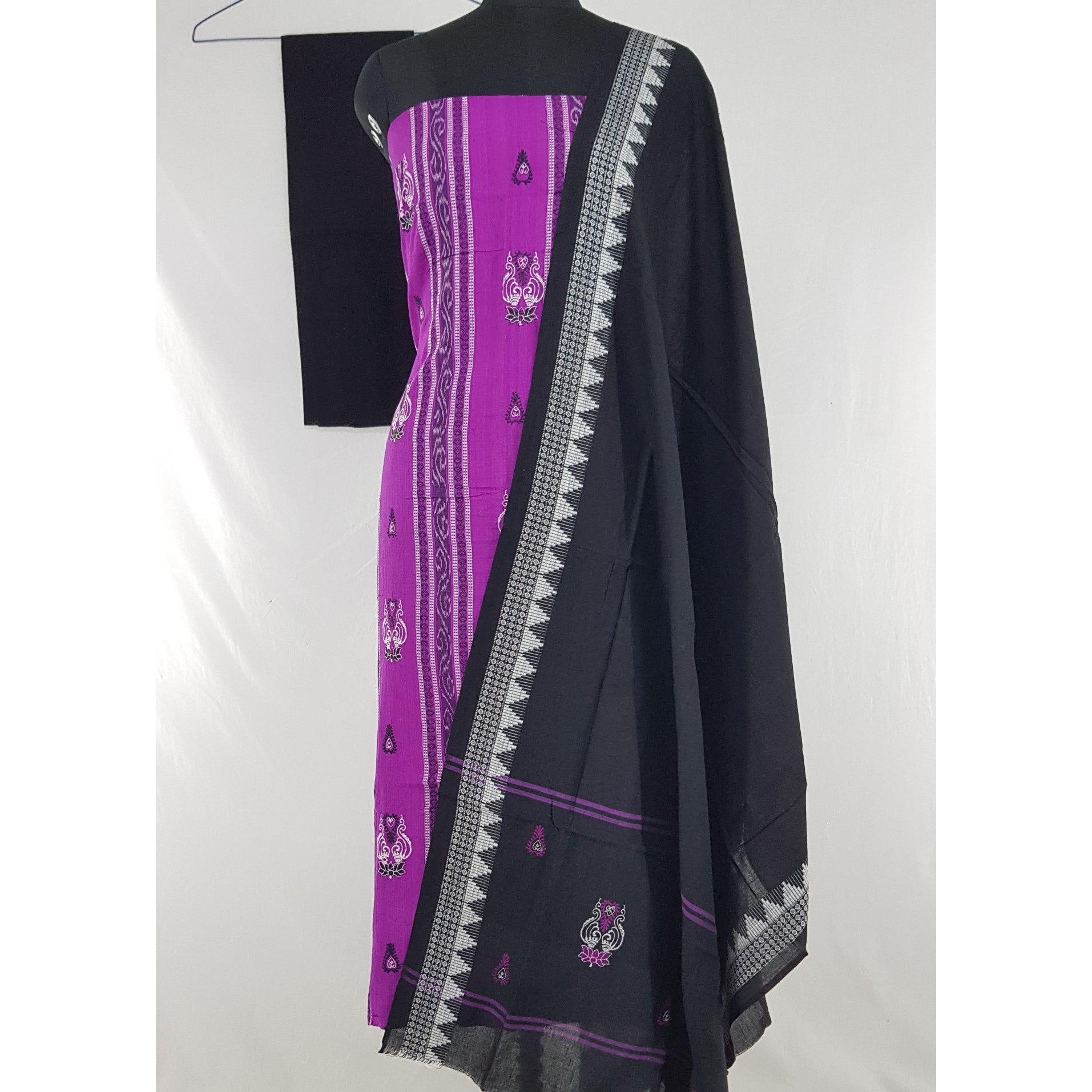 Sambalpuri Handloom Ikat embroidered cotton salwar set - Vinshika