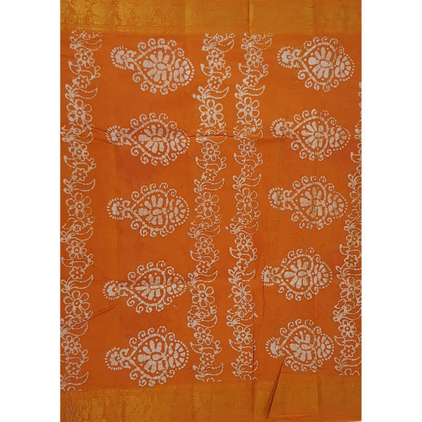 Madhurai Sungudi cotton saree with batik print - Vinshika