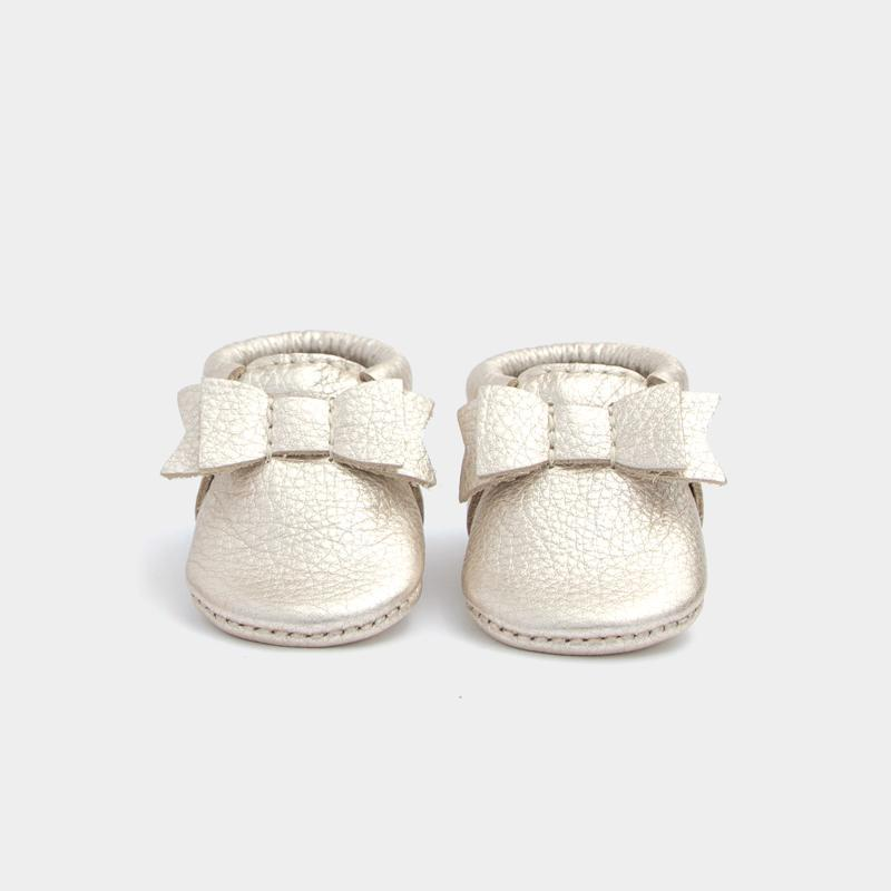 Freshly Picked Newborn Bow Moccasin - Platinum