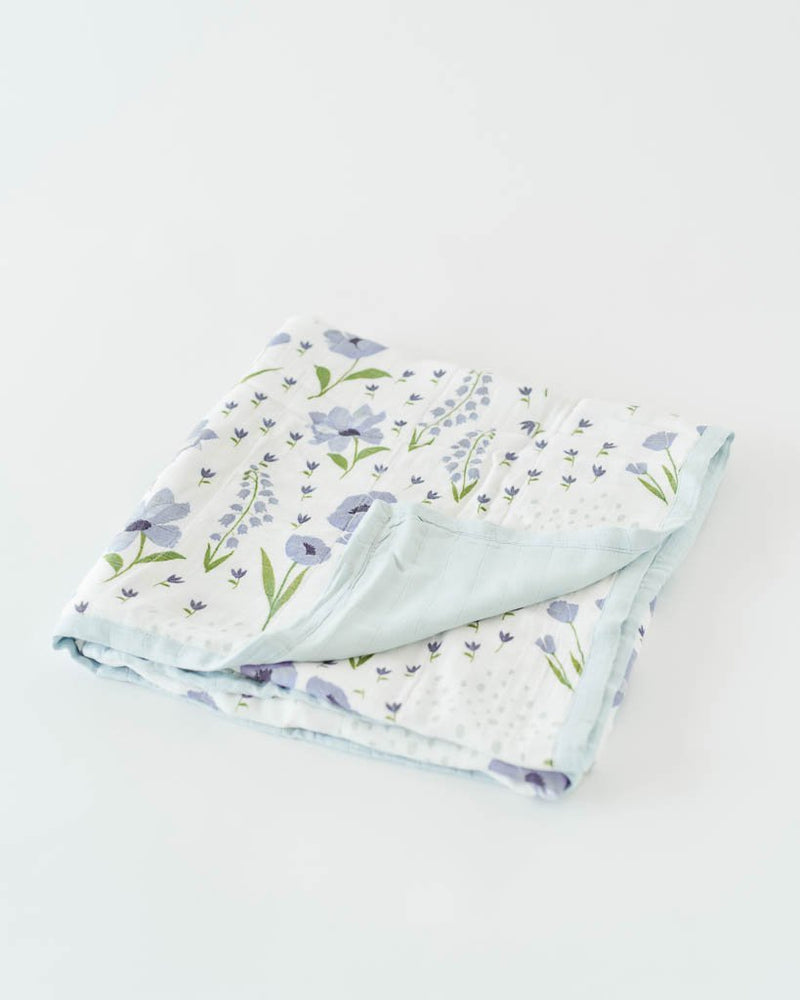 Little Unicorn Deluxe Muslin Quilt - Blue Windflower