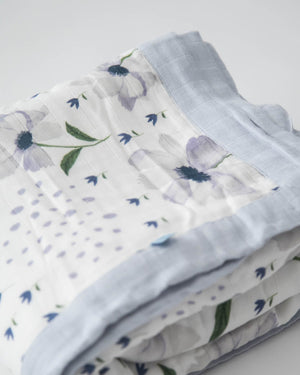 Little Unicorn Big Kid Deluxe Muslin Quilt - Blue Windflower