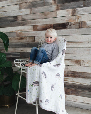 Little Unicorn Big Kid Deluxe Muslin Quilt  - Hedgehog