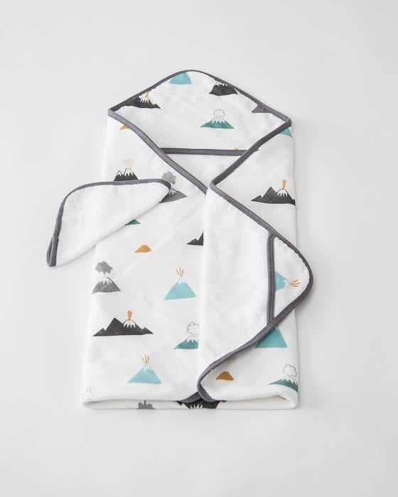 Little Unicorn Hooded Towel & Washcloth Set - Lava Lava