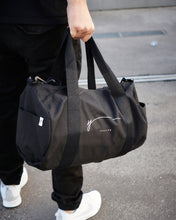 Lade das Bild in den Galerie-Viewer, YPSILON SIGNATURE BAG