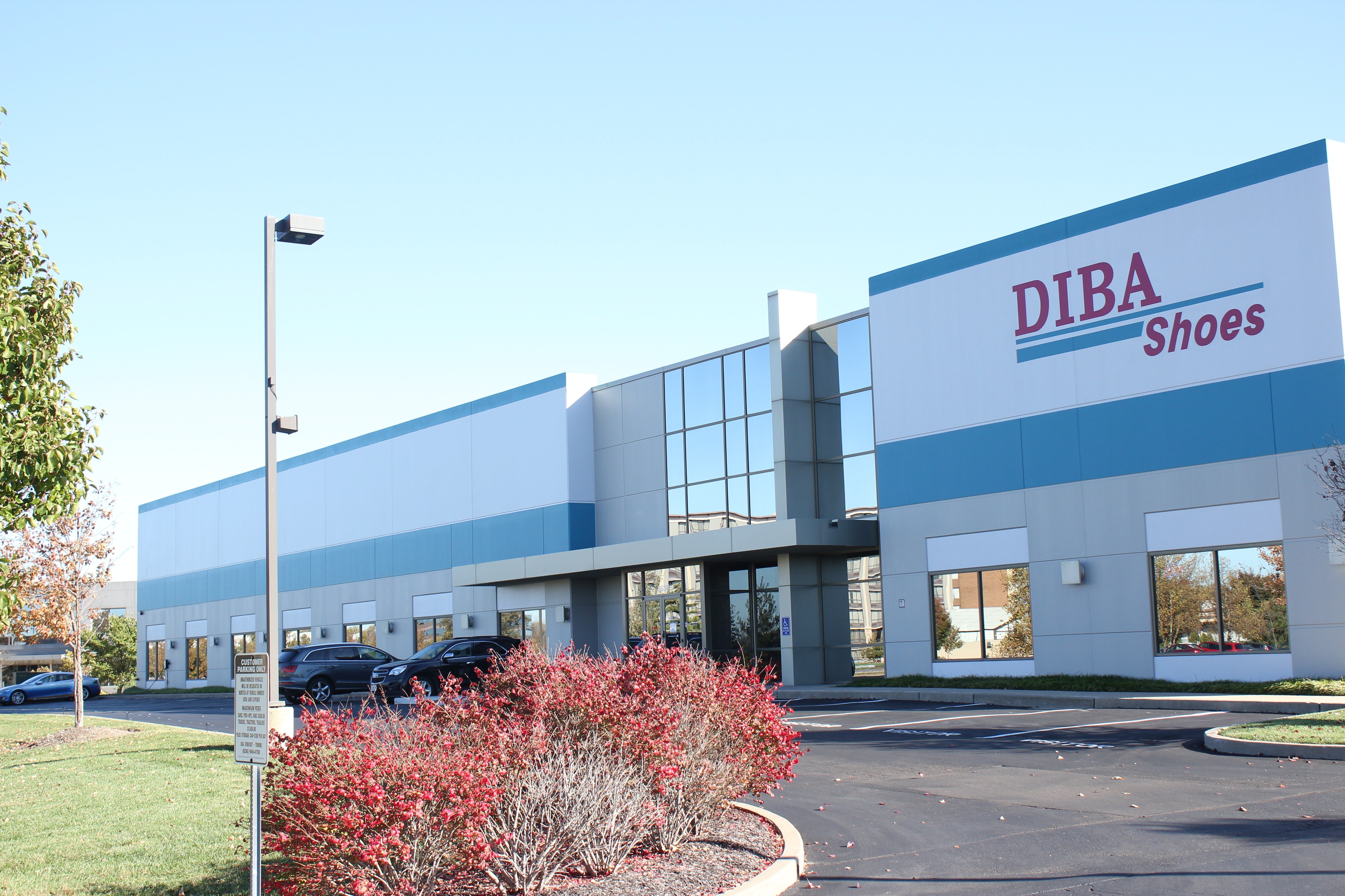 Diba Shoes Outlet store building