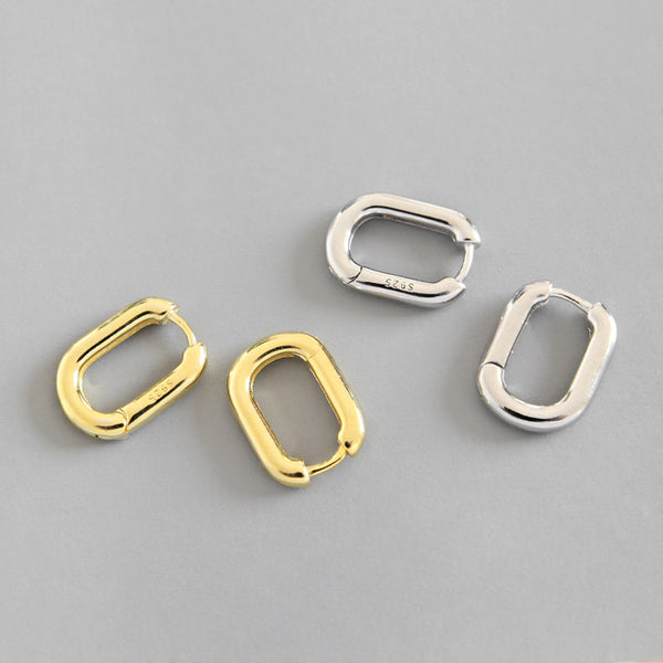 Oval Huggie Earring Empty Whole