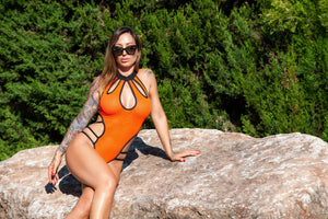 Sexy swimsuit color naranja