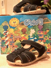 Load image into Gallery viewer, Boys Tan and Navy Sandal