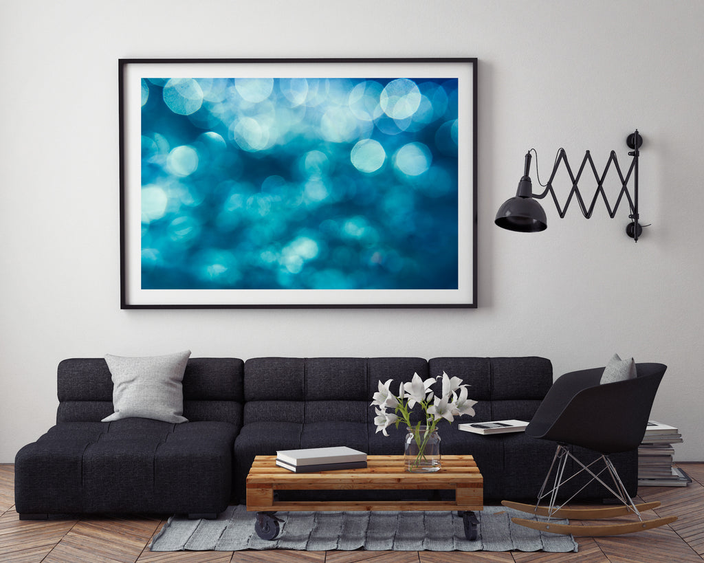 KaneSkennar-Underwater image of bubbles and light image on wall setting