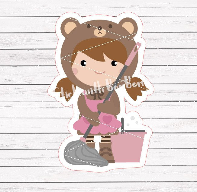 Toffee the Bear Girl - MOPPING