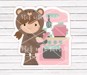 Toffee the bear girl - COOKING