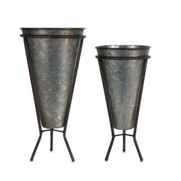 Perfect set of 2 Iron Pot with Stand- 6 x 13.25H, 7 x 15.25H inch
