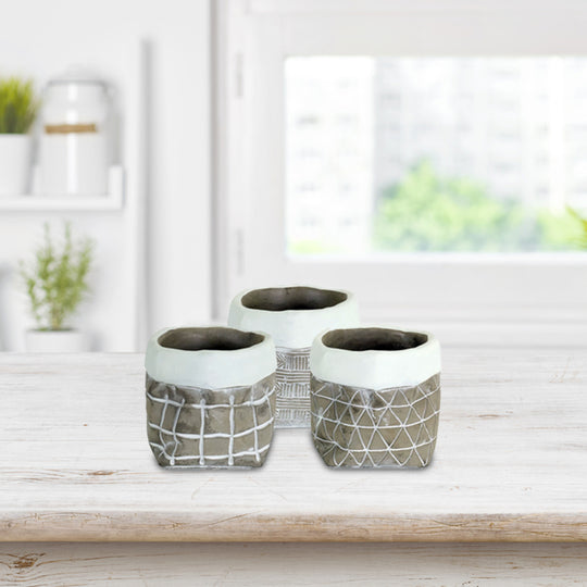 Cement Pot 12 set of: 4 x 4.5 H