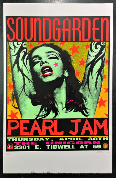AUCTION - Pearl Jam Soundgarden - Green Lady Kozik - '92 Silkscreen - Houston -  Near Mint Minus