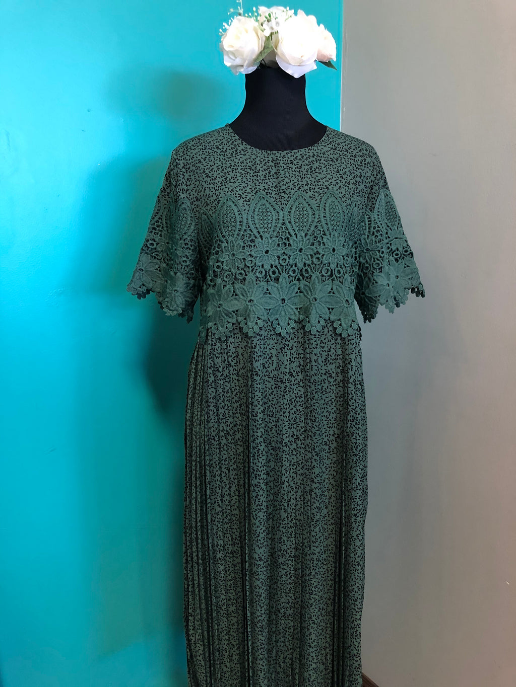 Cecile Hunter Green Pleated Casual Dress