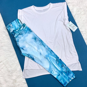 Sailboat Blue Capri Leggings