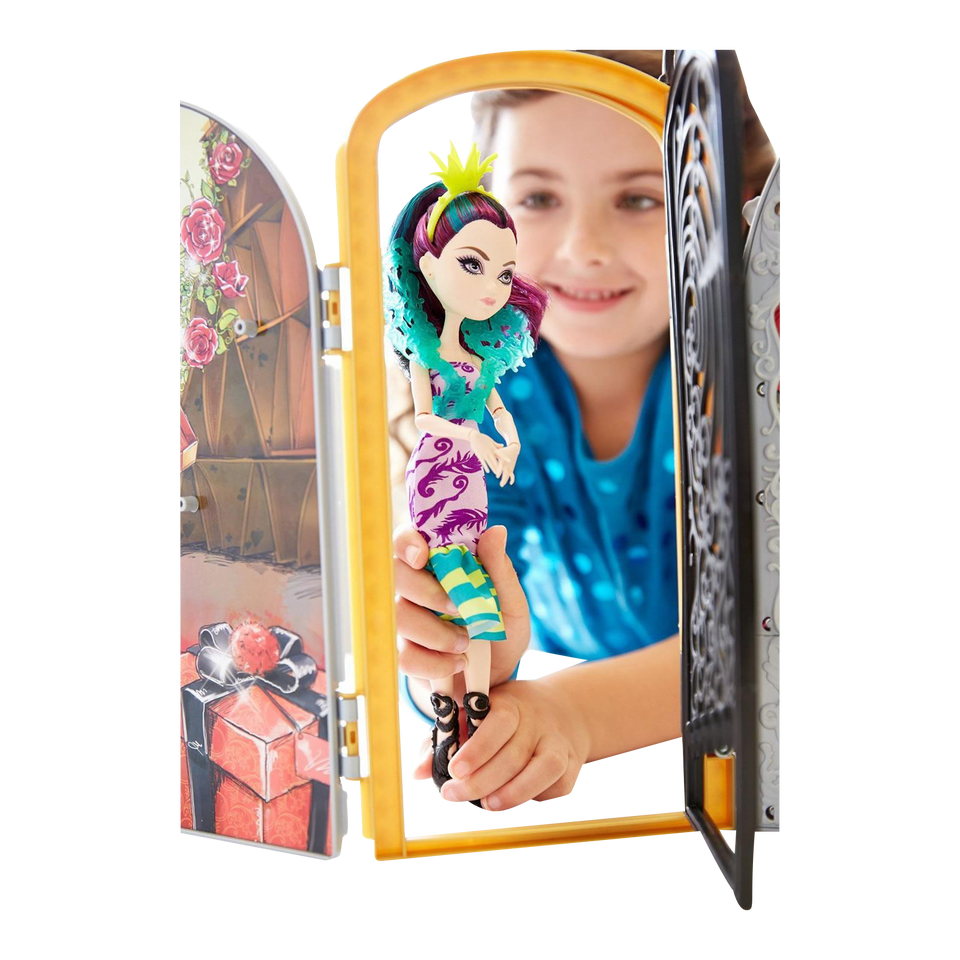 Ever After High Way Too Wonderland Playset Raven Queen Display Rooms Party