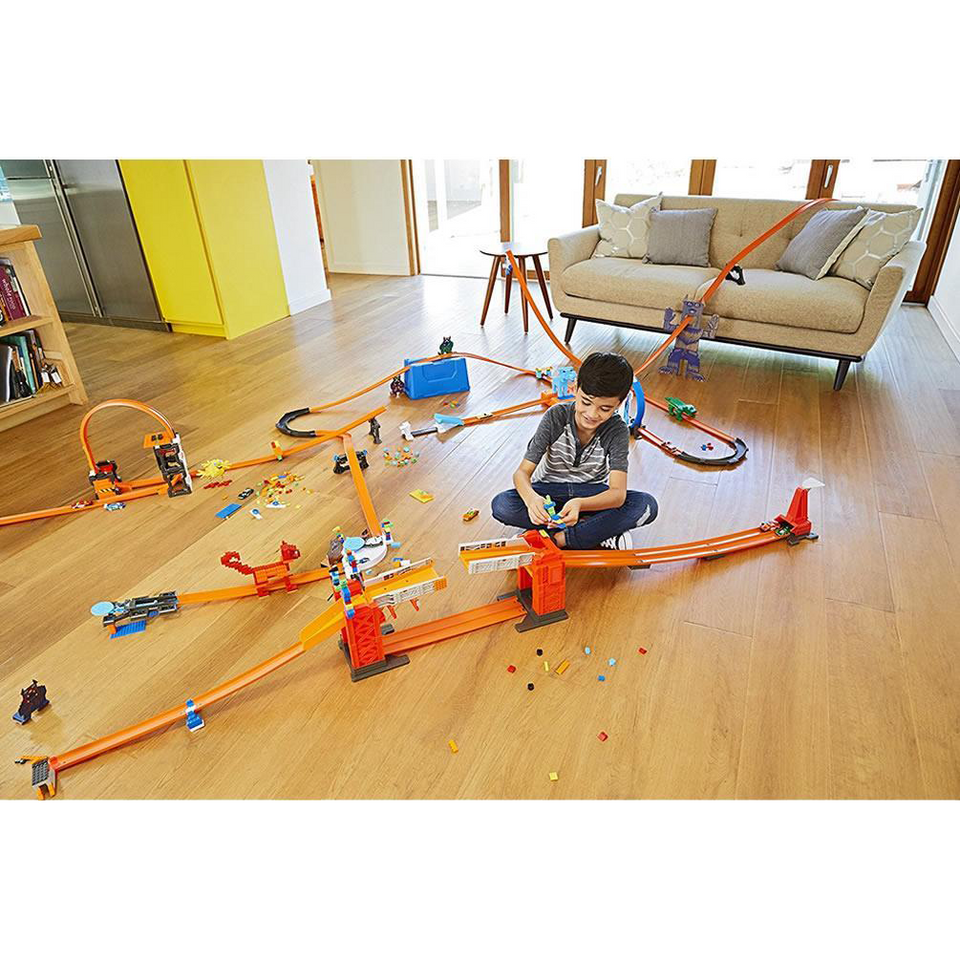 Hot Wheels Track Builder Stunt Bridge Kit Motorized 70+ Pieces