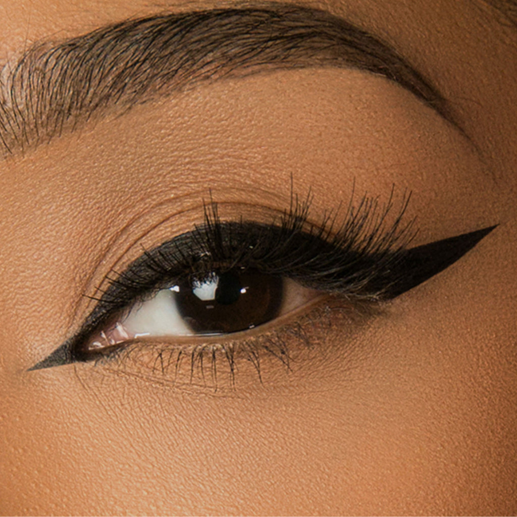 Cat Eye Liquid Eyeliner - Jet Black - PRELLA Cosmetics
