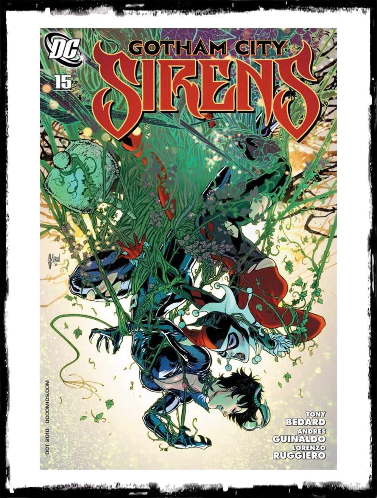 GOTHAM CITY SIRENS - #15 GUILLEM MARCH COVER (2010 - VF+/NM)