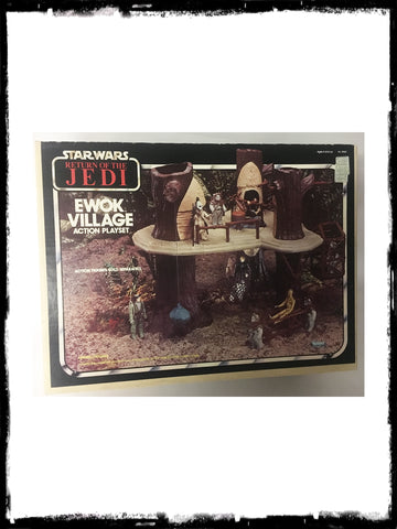 STAR WARS - VINTAGE 1983 EWOK VILLAGE PLAYSET!