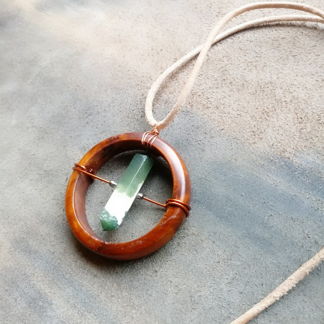 Spinning Talisman of Life - Moss Agate and Thuja Wood