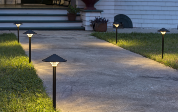 LED vs Halogen – Which Is Better for Landscape Lighting?