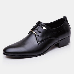 2018 Newest Man Flat Classic Men Dress Shoes Patent Leather Wingtip Carved Italian Formal Oxford Plus Size 38-48 for Autumn