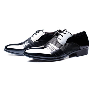 Newest Classical Fashion Wedding Flats Shoes Men Dress Luxury Men'S Business Oxfords Casual Shoe Black / Brown Leather