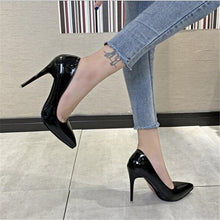 Load image into Gallery viewer, Patent Leather Pointed Toe Heels