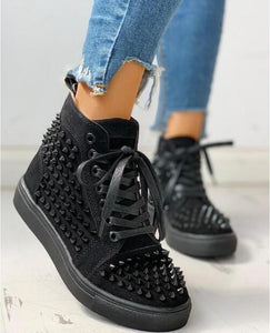 2020 Spring Fashion Women Rivet Sneakers