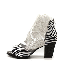 Load image into Gallery viewer, Floral Lace Peep Toe Low Heel