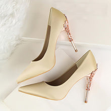 Load image into Gallery viewer, Pointed Toe Metal Carved Heels