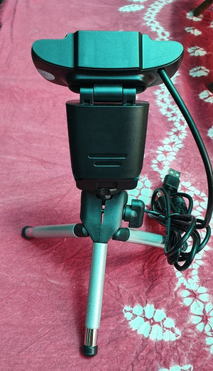 USB Webcam 720p with Tripod-ready universal clip fits laptops, LCD or monitors