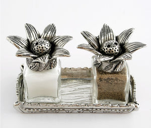 Venus Salt and Pepper Set