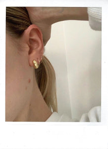 THE STONE STUD GOLD PLATED (PRE-ORDER)